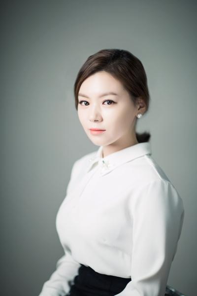 -AJ7A6689 김윤진